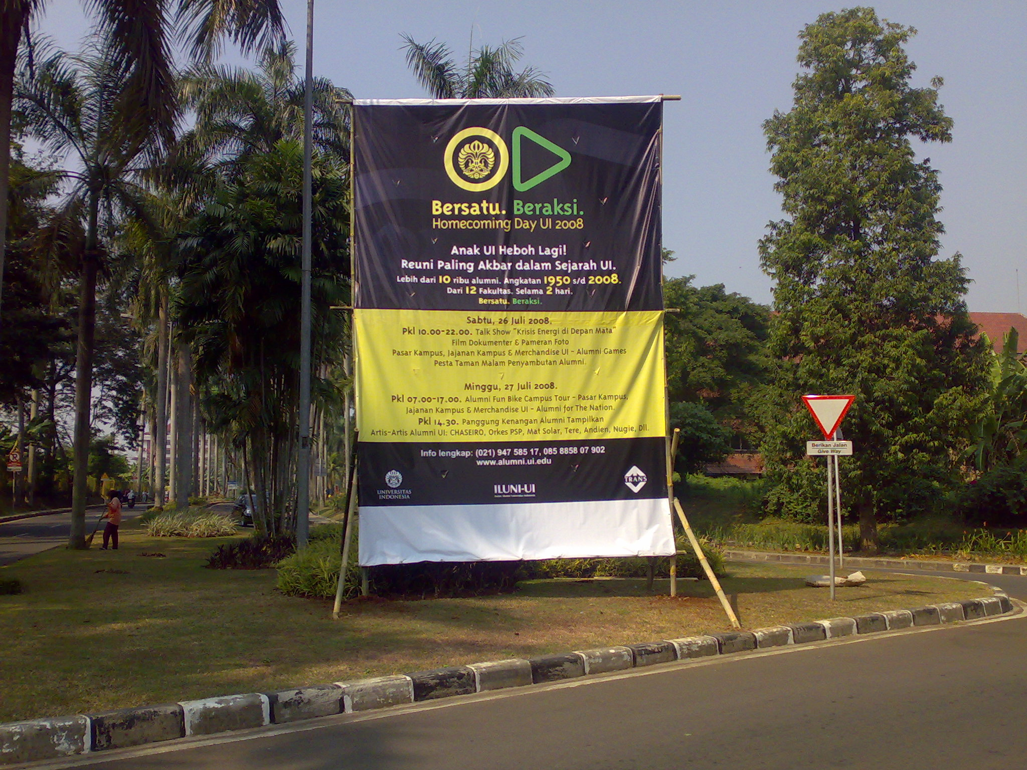poster homecoming day ui