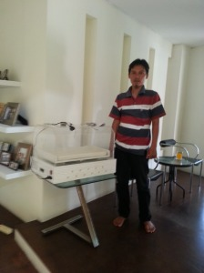 inkubator pertama diserahkan ke peminjam di Jogjakarta