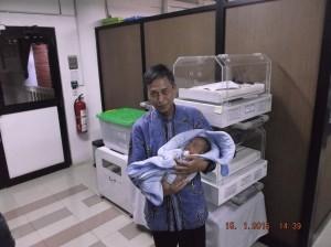 Salah satu bayi yang mendapatkan layanan peminjaman inkubator gratis dari UI.
